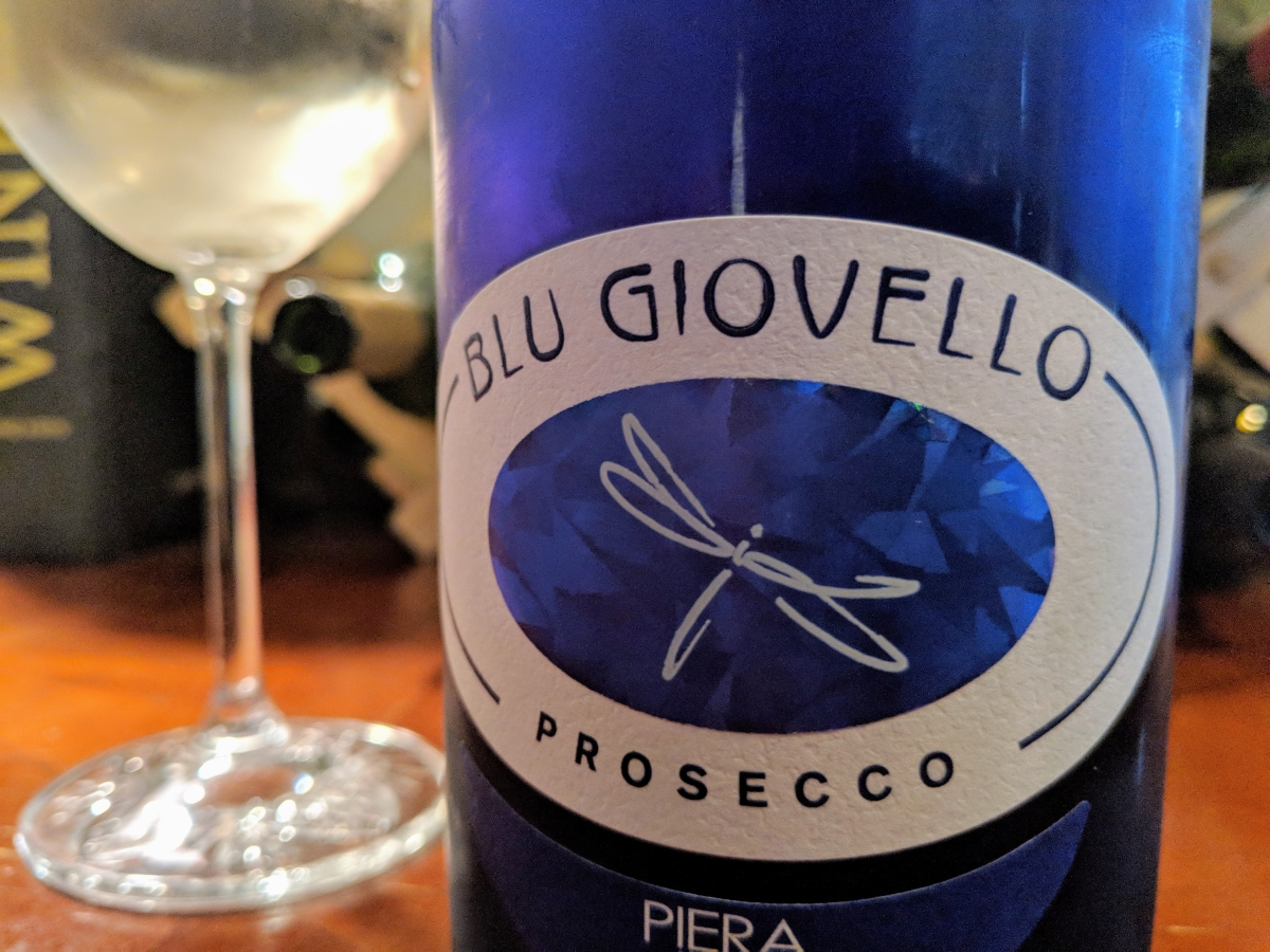 Blu Giovello Prosecco is a Crowd Pleasing Bubbly